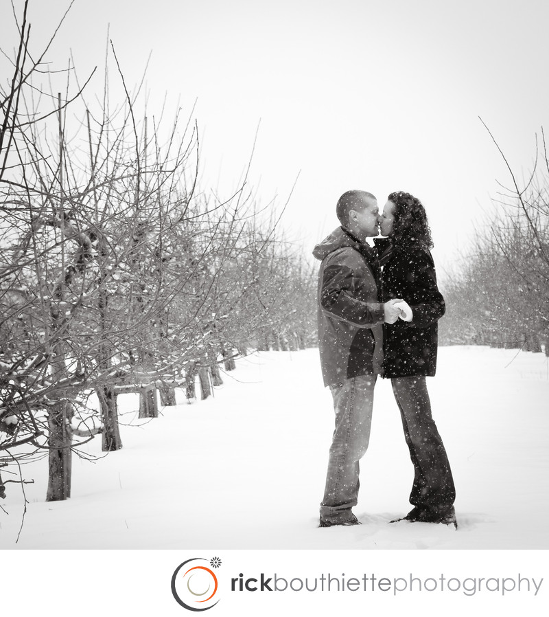 LONDONDERRY NH ENGAGEMENT PHOTOGRAPHY
