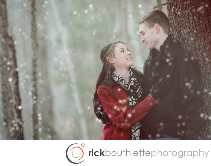 NEW HAMPSHIRE ENGAGEMENT SESSION IN THE SNOW
