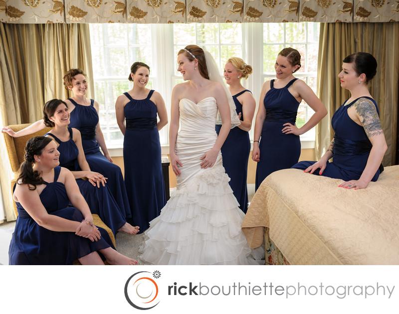 BRIDE AND BRIDESMAIDS - SEACOAST WEDDING PHOTOGRAPHY