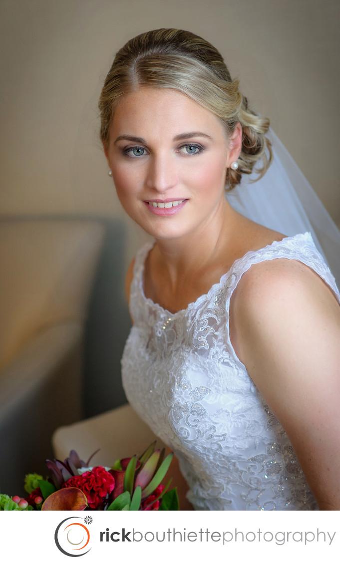BRIDAL PORTRAIT - MANCHESTER COUNTRY CLUB WEDDING