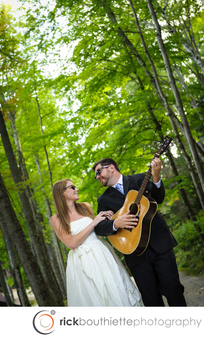 LAKE SHORE VILLAGE RESORT WEDDING - WALKING SERENADE
