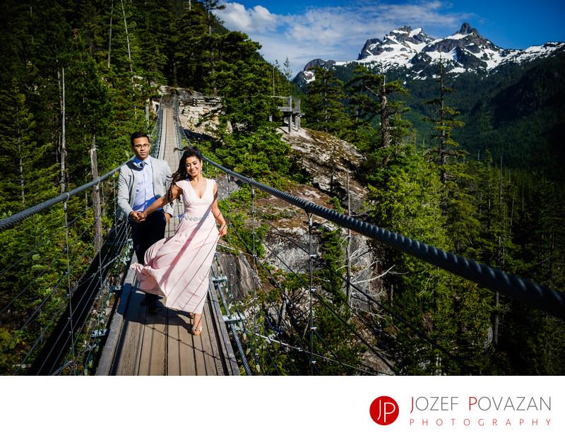 Sea to Sky Gondola pre wedding lifestyle pictures fun