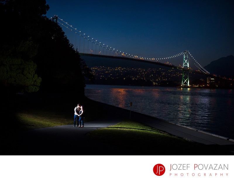 Stanley park Lions gate bridge engagement night picture