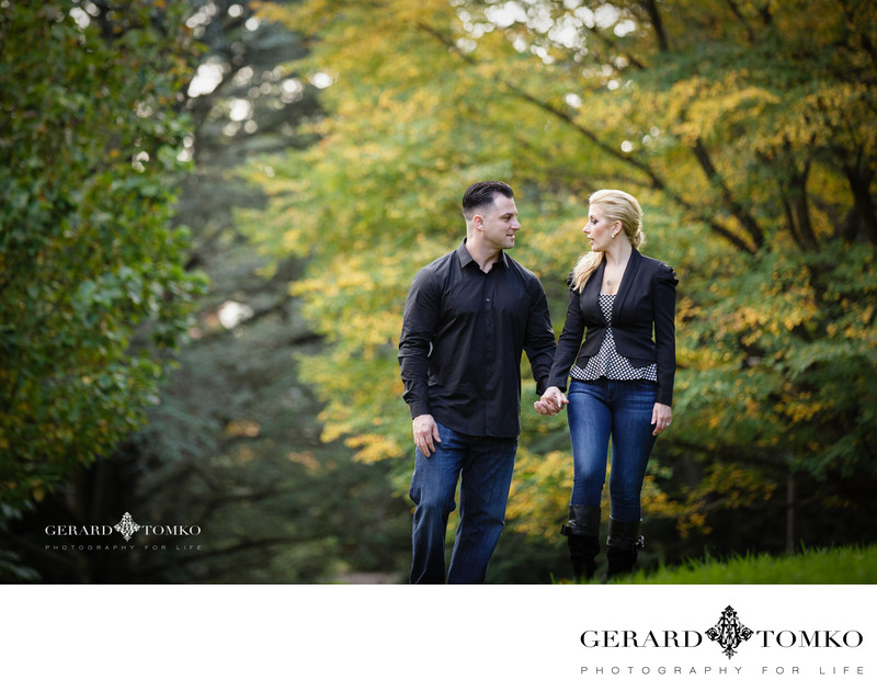 Engagement Pictures in the Fall