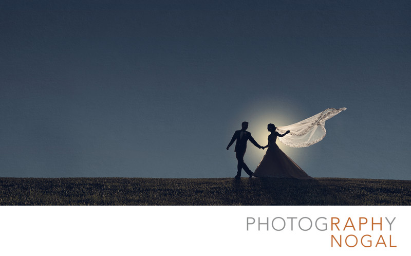 Couple silhouette at King Valley Golf Club on Wedding