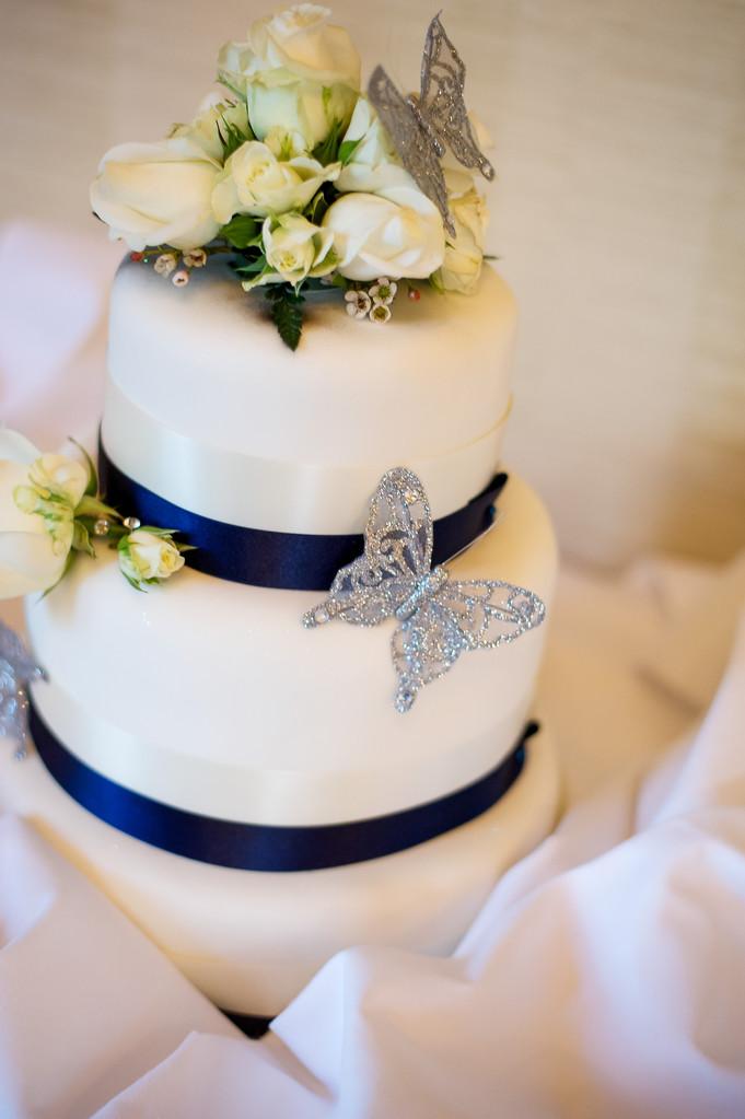 Kenwood Hall Wedding Cake