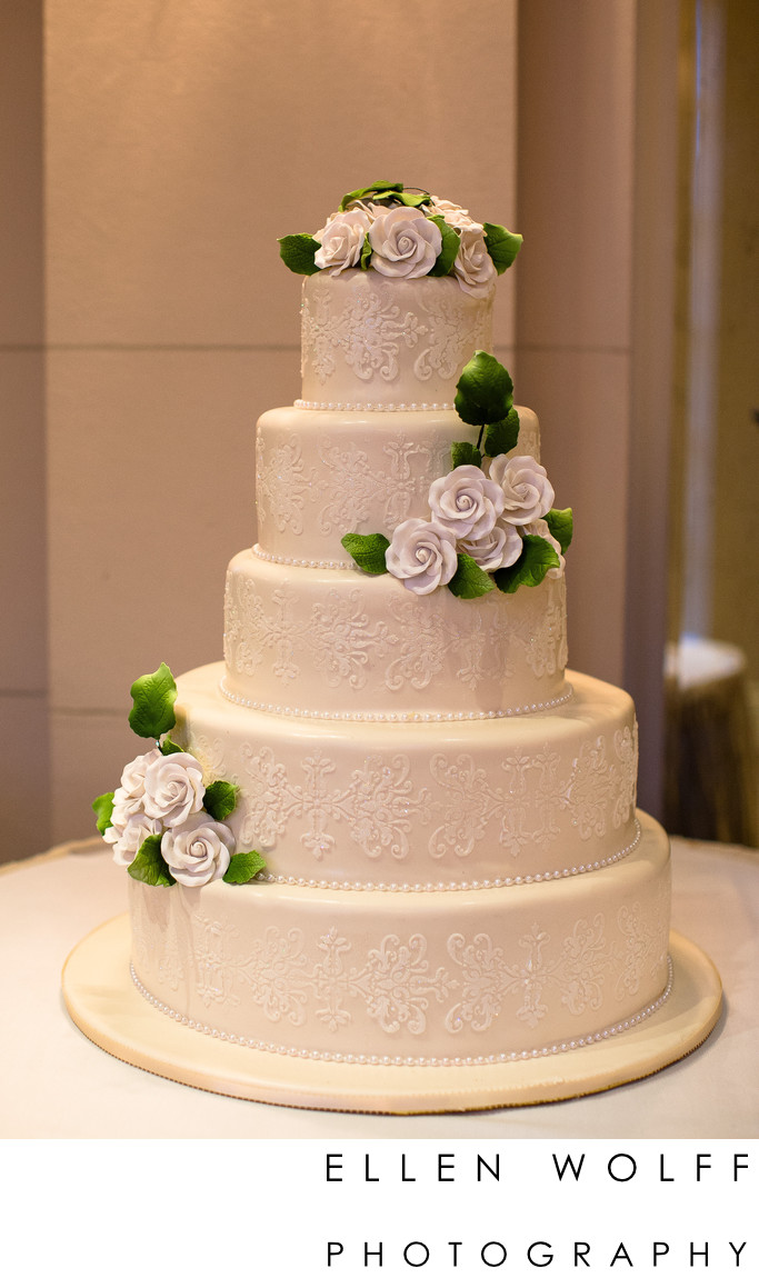 Wedding cake at The Muttontown Club
