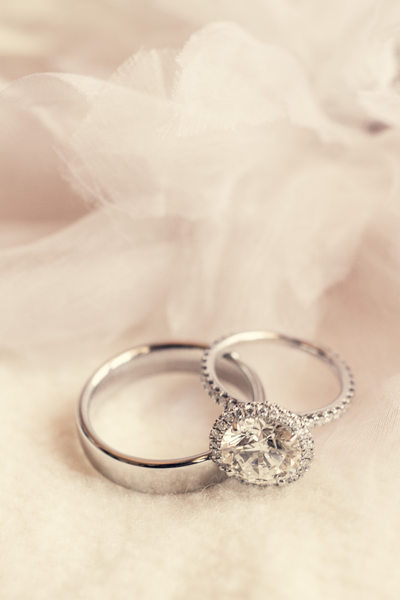 Wedding Rings of White Gold and Diamonds