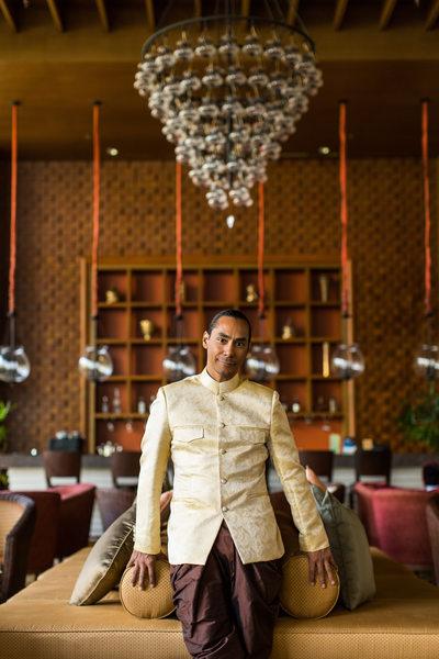 Groom Wears Thai Traditional Praracha-Pa-Tan