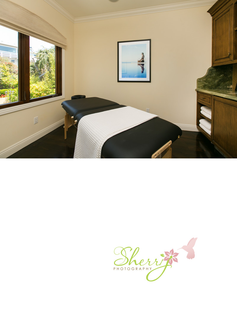 16655 Akron St, Pacific Palisades Massage room