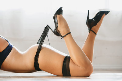 SJP boudoir sexxy legs