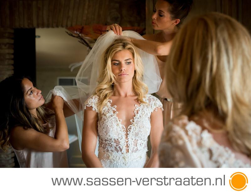 Nicolette met sluier bruid fotografen