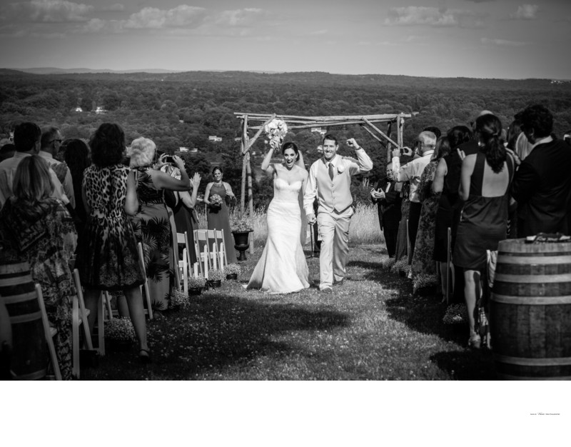 Outdoor Wedding Ceremony | Red Maple Vineyards