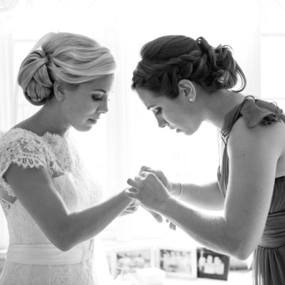 Maid of Honor | black and white getting ready photos