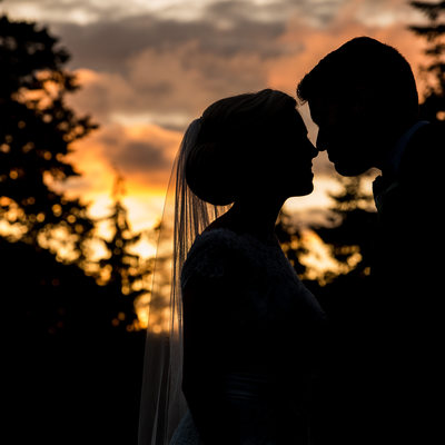 Botanical Garden Wedding | Sunset bride and groom