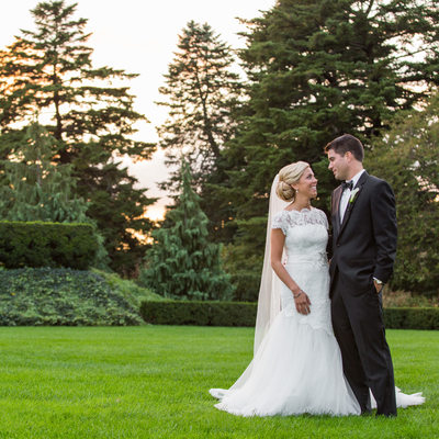 Elegant Bride and Groom at New York Botanical Garden