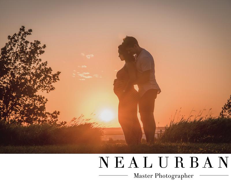 buffalo pregnancy photographers outfits waterfront sun