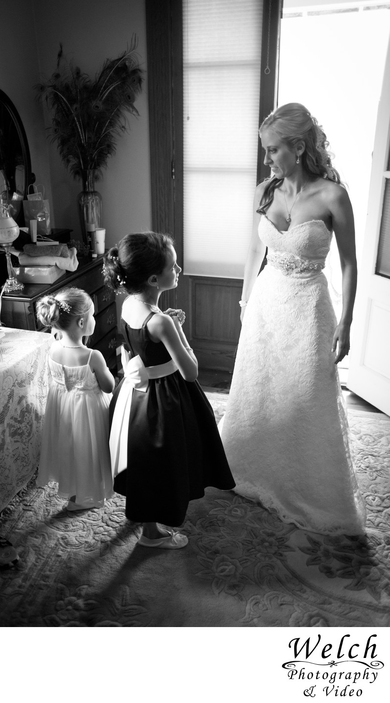 bride with flowergirl Albany Plantation Louisiana