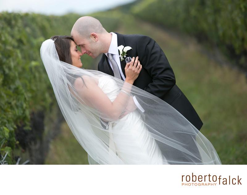 new york wedding photographer raphael vineayard