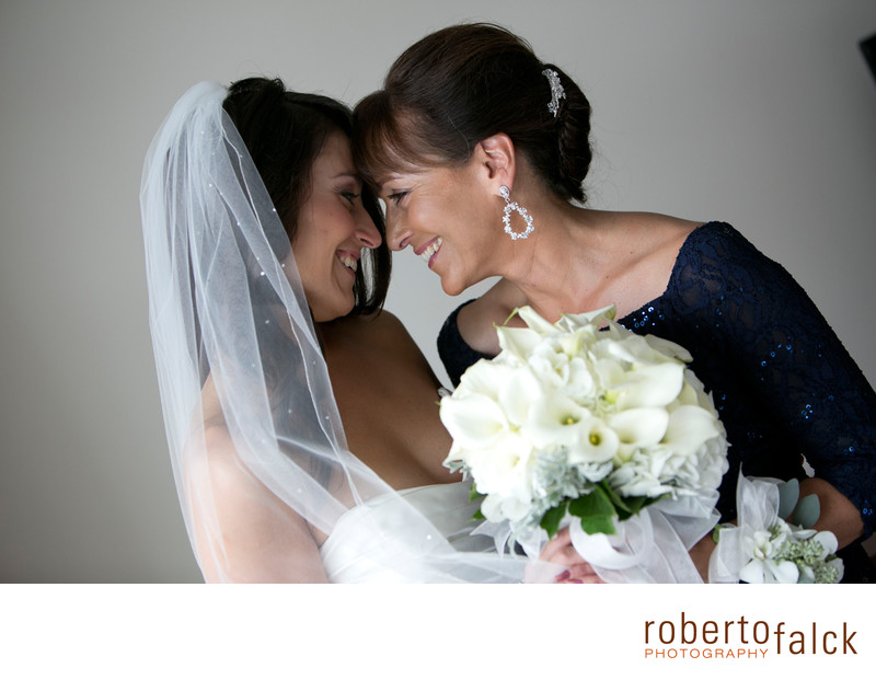 new york wedding photographer emotion with mom