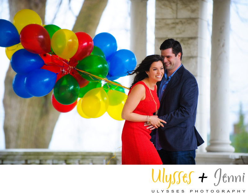 BRIGHT BALLOONS ENGAGEMENT PORTRAIT HV