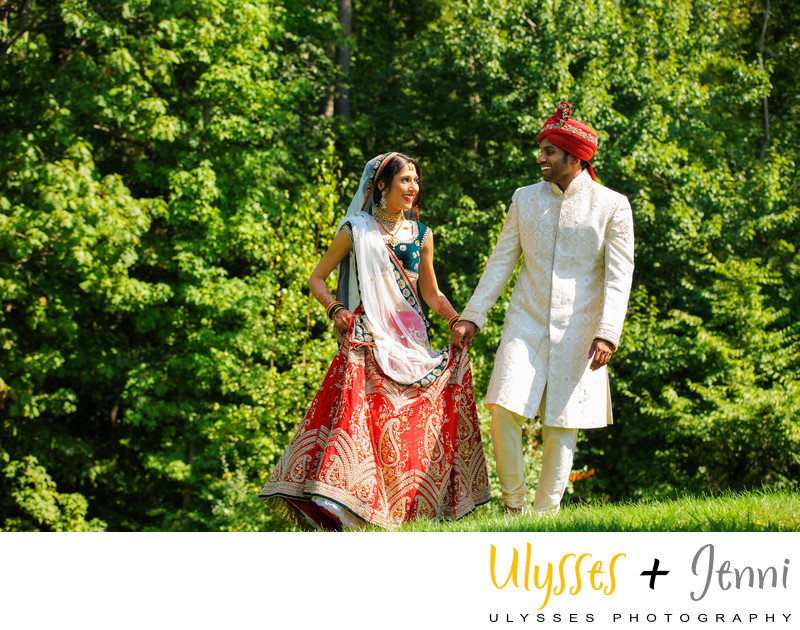 INDIAN BRIDE AND GROOM WALKING - ULYSSES PHOTOGRAPHY