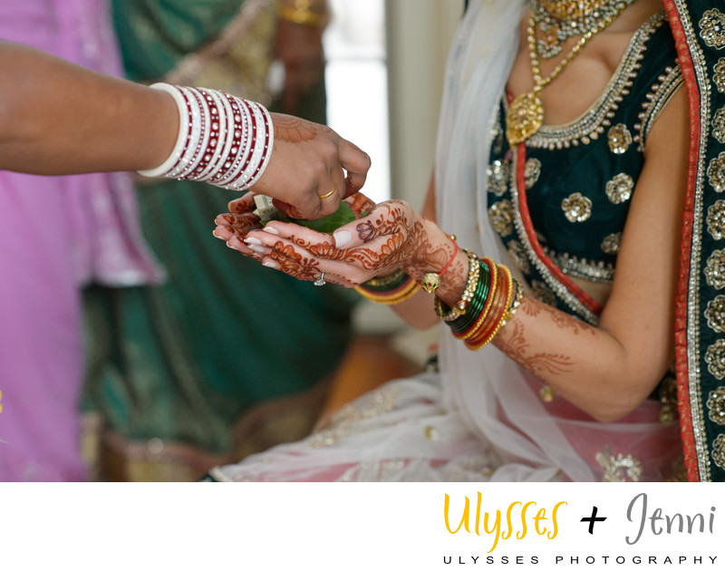 INDIAN BRIDE GIFTS - ULYSSES PHOTOGRAPHY