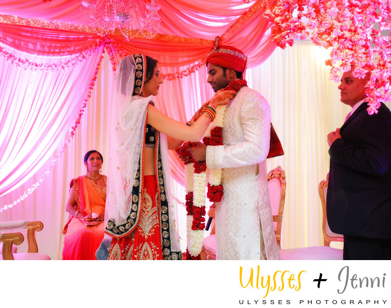 INDIAN WEDDING GARLAND - ULYSSES PHOTOGRAPHY