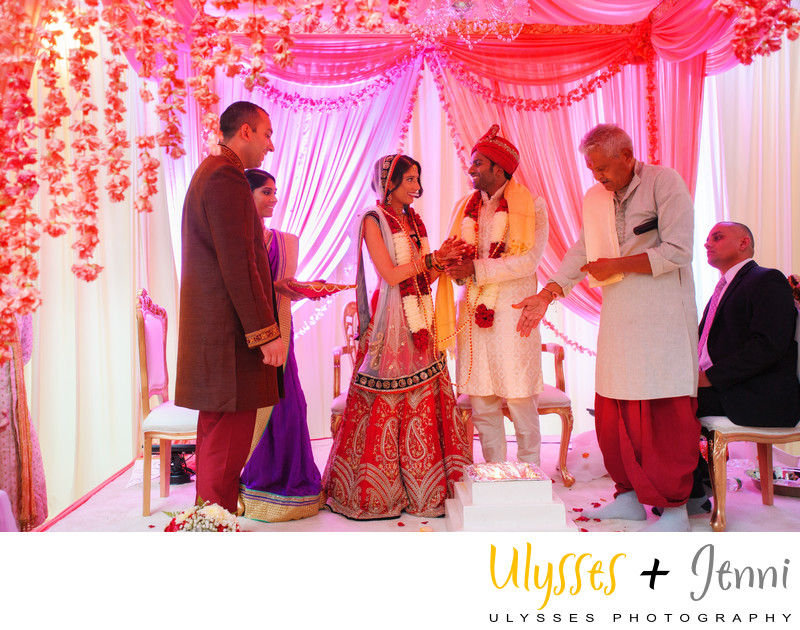 INDIAN WEDDING CEREMONY MANDAP LIGHTING - ULYSSES PHOTOGRAPHY