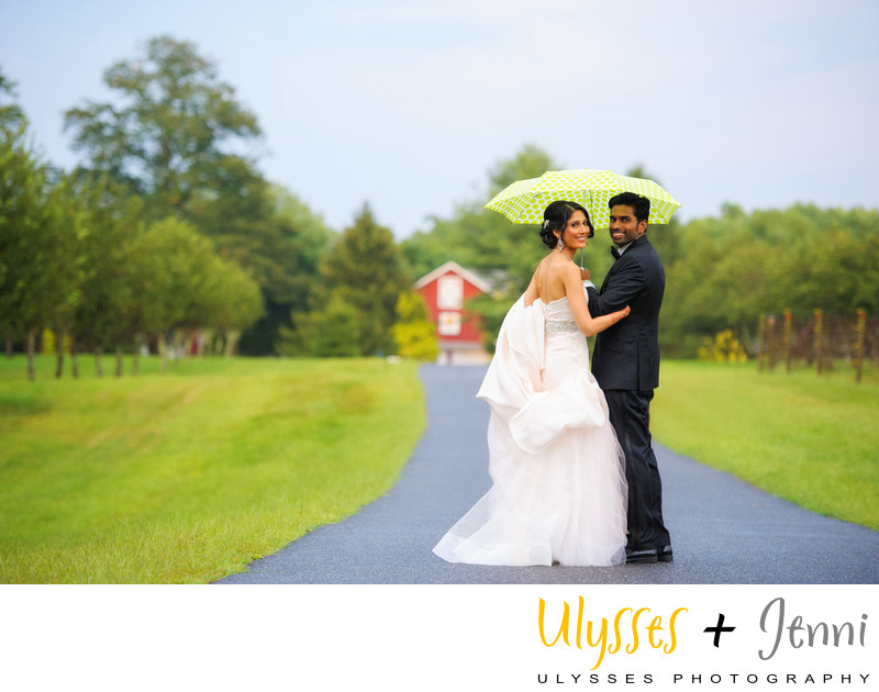WHAT TO DO WHEN IT RAINS ON YOUR WEDDING DAY - ULYSSES PHOTOGRAPHY
