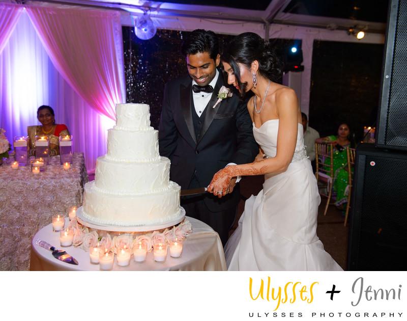 INDIAN WEDDING CAKE CUTTING - ULYSSES PHOTOGRAPHY