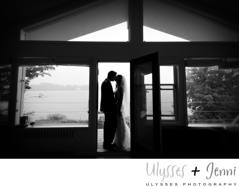 AMAZING WEDDING PHOTOS ON A RAINY DAY