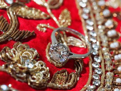 INDIAN WEDDING ENGAGEMENT RING - ULYSSES PHOTOGRAPHY