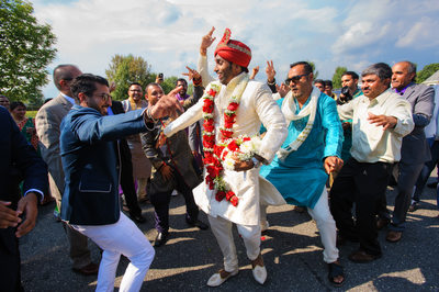 INDIAN WEDDING BARAAT DANCING - ULYSSES PHOTOGRAPHY