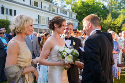 WHY YOU SHOULD GET MARRIED AT CRABTREES KITTLE HOUSE