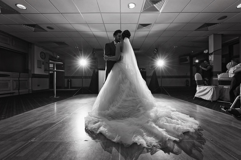 gt yarmouth race course norfolk wedding first dance