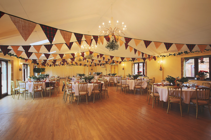 table layout piggyback barns fakenham wedding photography norfolk