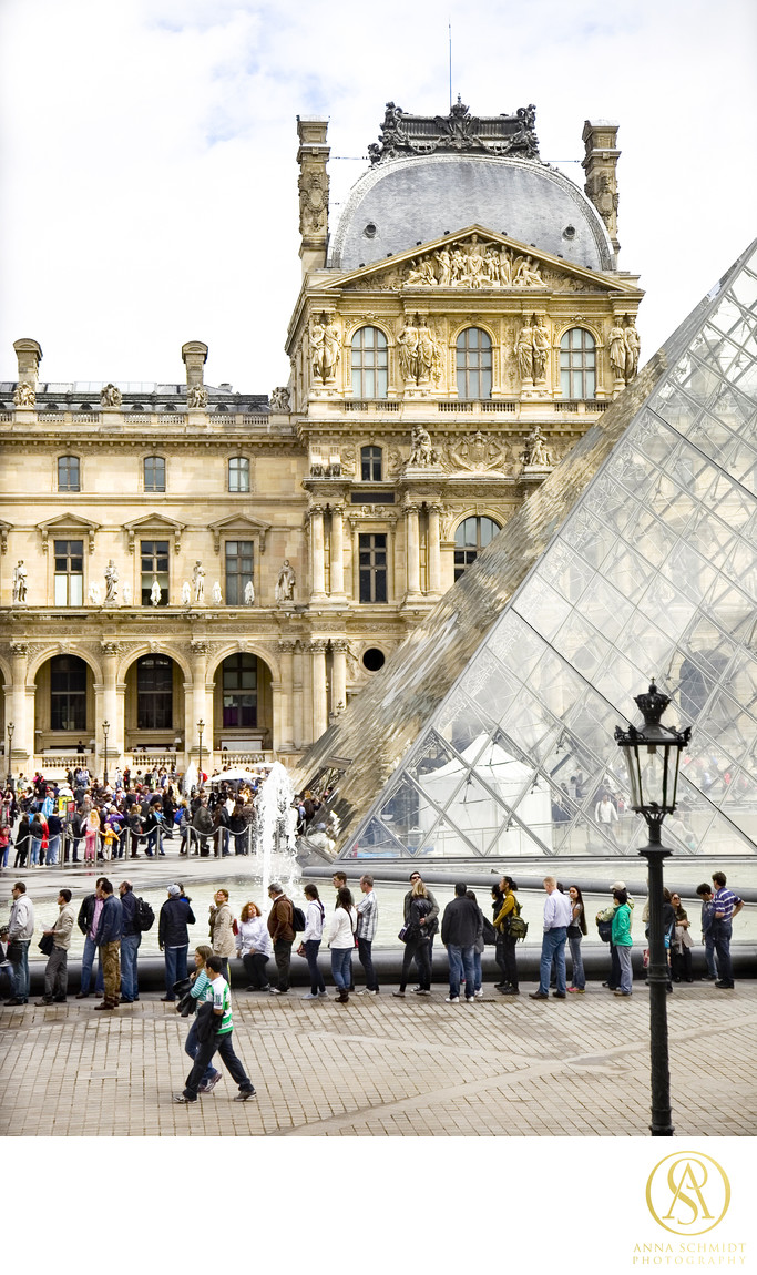 The Louvre, Paris, France Photographer