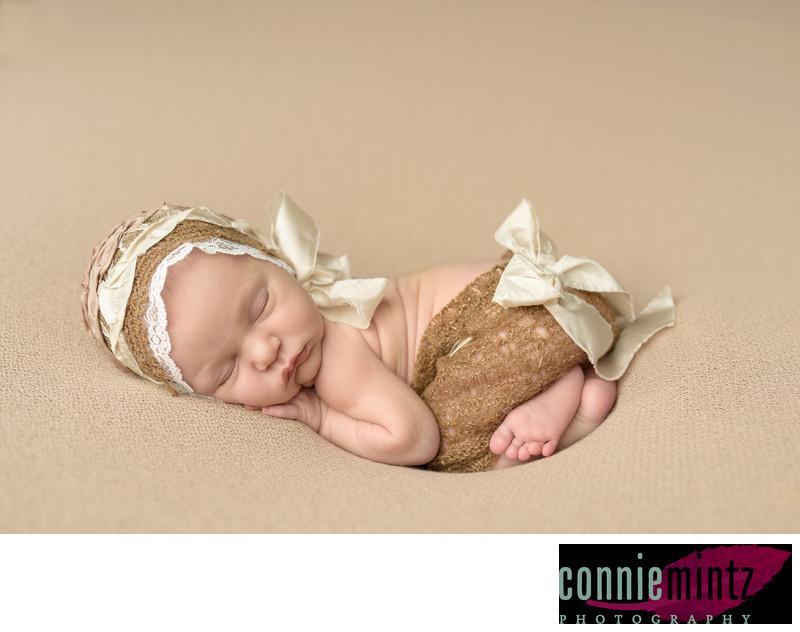 Portland Oregon newborn photographer lace ribbon
