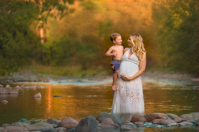 Maternity in Water -Connie Mintz Photography-Vancovuer, WA