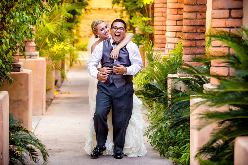 Bride and Groom at Royal Palms - Scottsdale wedding Photographers - Ben and Kelly Photography