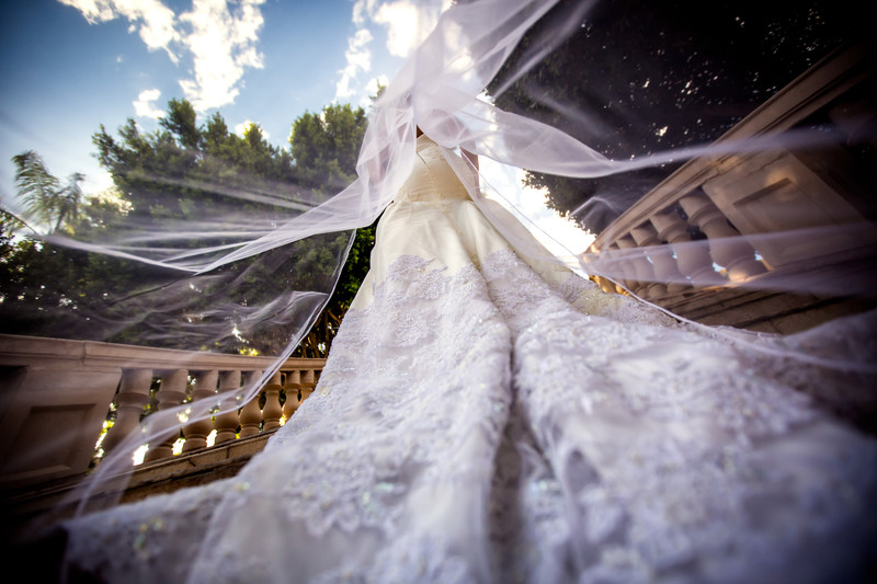 Weddings at the Phoenician in Scottsdale Arizona - Best Scottsdale Wedding Photographers - Ben and Kelly Photography