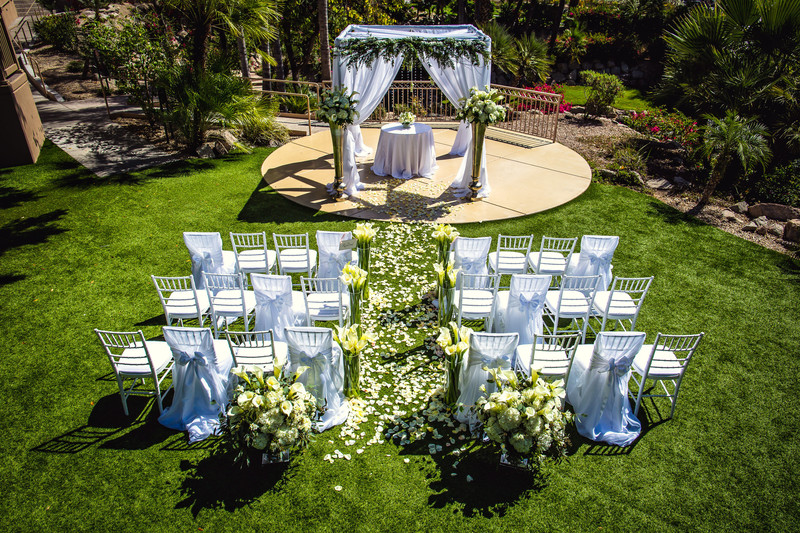 Best Outdoor Weddings at the Phoenician in Scottsdale Arizona - Ben and Kelly Photography