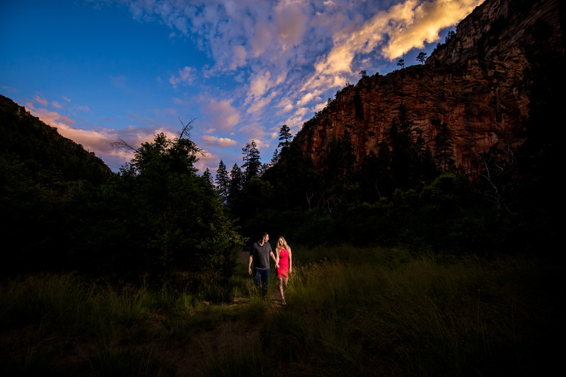 Sedona engagement photos on Devils Bridge