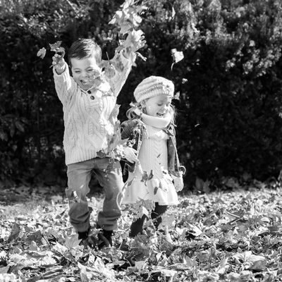 Fall Mini Sessions in Chester County - Throwing Leaves