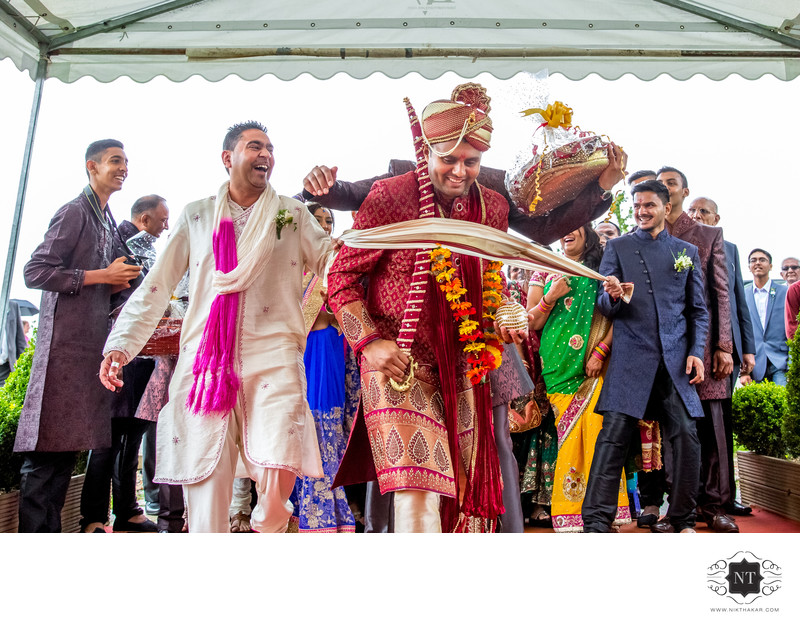 indian wedding groom arriving