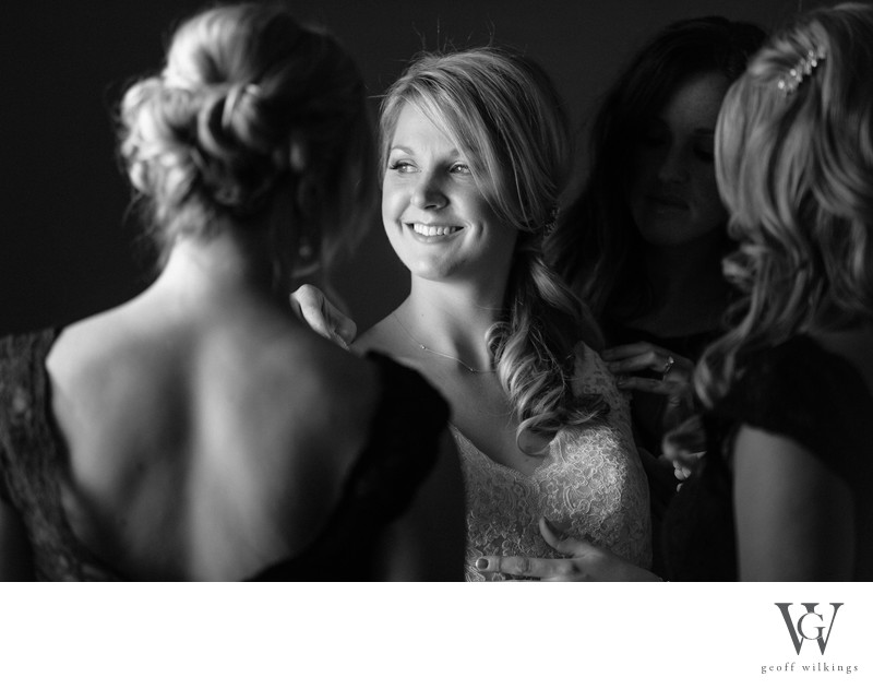 wedding photographer in Calgary bridal party photos