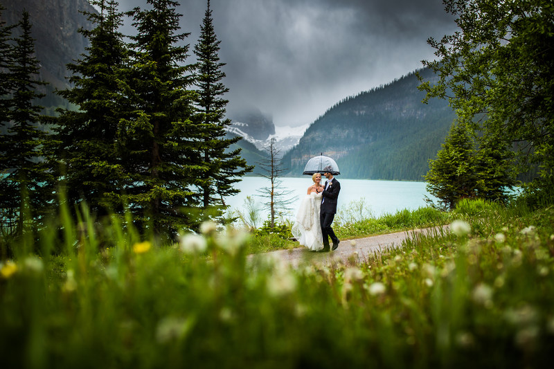 Lake Louise Wedding Photos Calgary Wedding Photographer