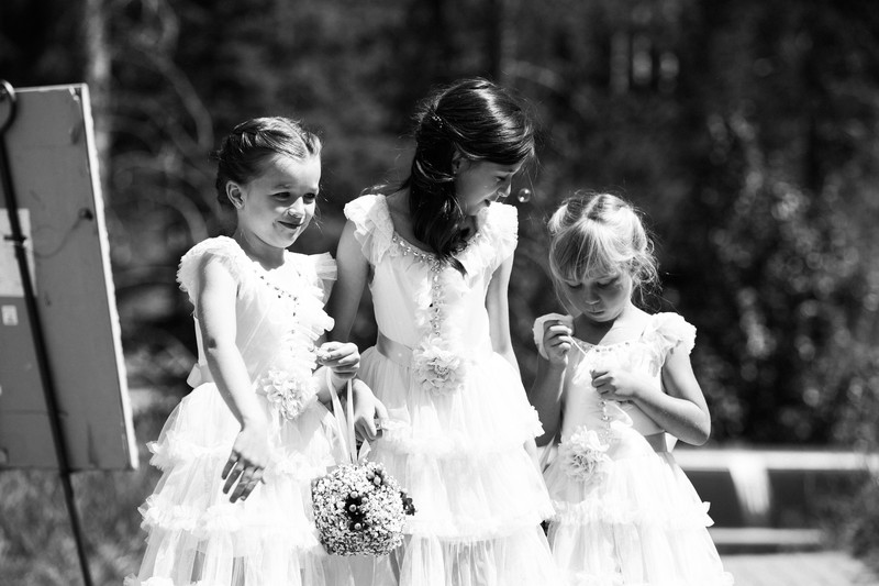 Silvertip Wedding Photos Flower Girls Walking Ceremony