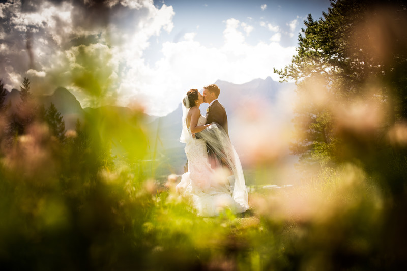 Calgary Wedding Photographers In Canmore Silvertip